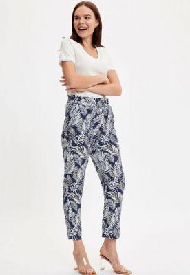 Imagine Pantaloni crop cu imprimeu